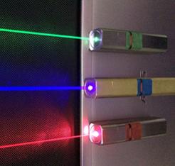 科学家制造出世界上较小尺寸的半导体激光器